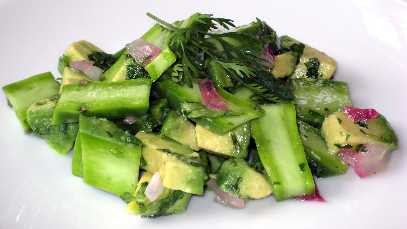 http://3.bp.blogspot.com/-QnifR6pk56E/TgIcu3yFStI/AAAAAAAABK0/VXHJasJrUdM/s1600/nopalitos+salad+with+avocado.JPG