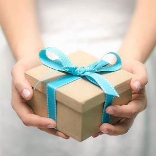 http://3.bp.blogspot.com/-Qnosgt__1Dk/UrLkYo72CDI/AAAAAAAA8WQ/ozxpwh0_ZYE/s320/gift-box.jpg