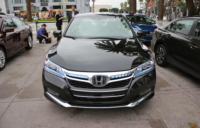 2014 Honda Accord Plug In: Test Drive Review. Wow, This Car Looks Wayyy  Better In Black.