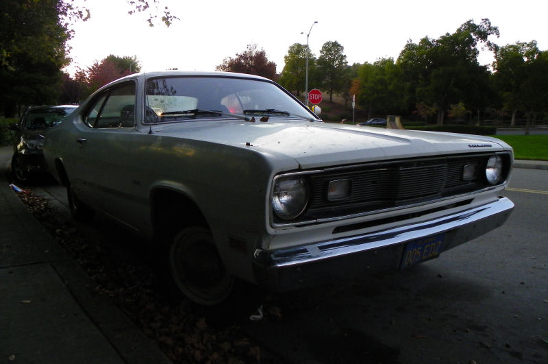 california streets san ramon street sighting 1971 plymouth duster. Black Bedroom Furniture Sets. Home Design Ideas