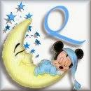 Alfabeto de Mickey Bebé durmiendo en la luna Q.