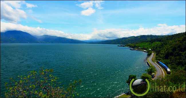1. Tempat Wisata Danau Singkarak Di Sumatera Barat