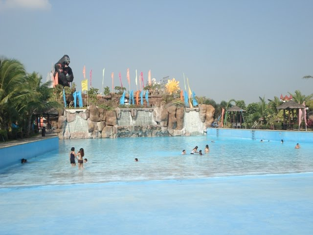 Pandi Philippines  city images : They claim to be the biggest area of wave pool in Bulacan with 3,500 ...