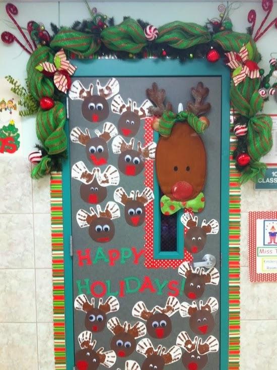 Украшаем дверь своими руками новый год