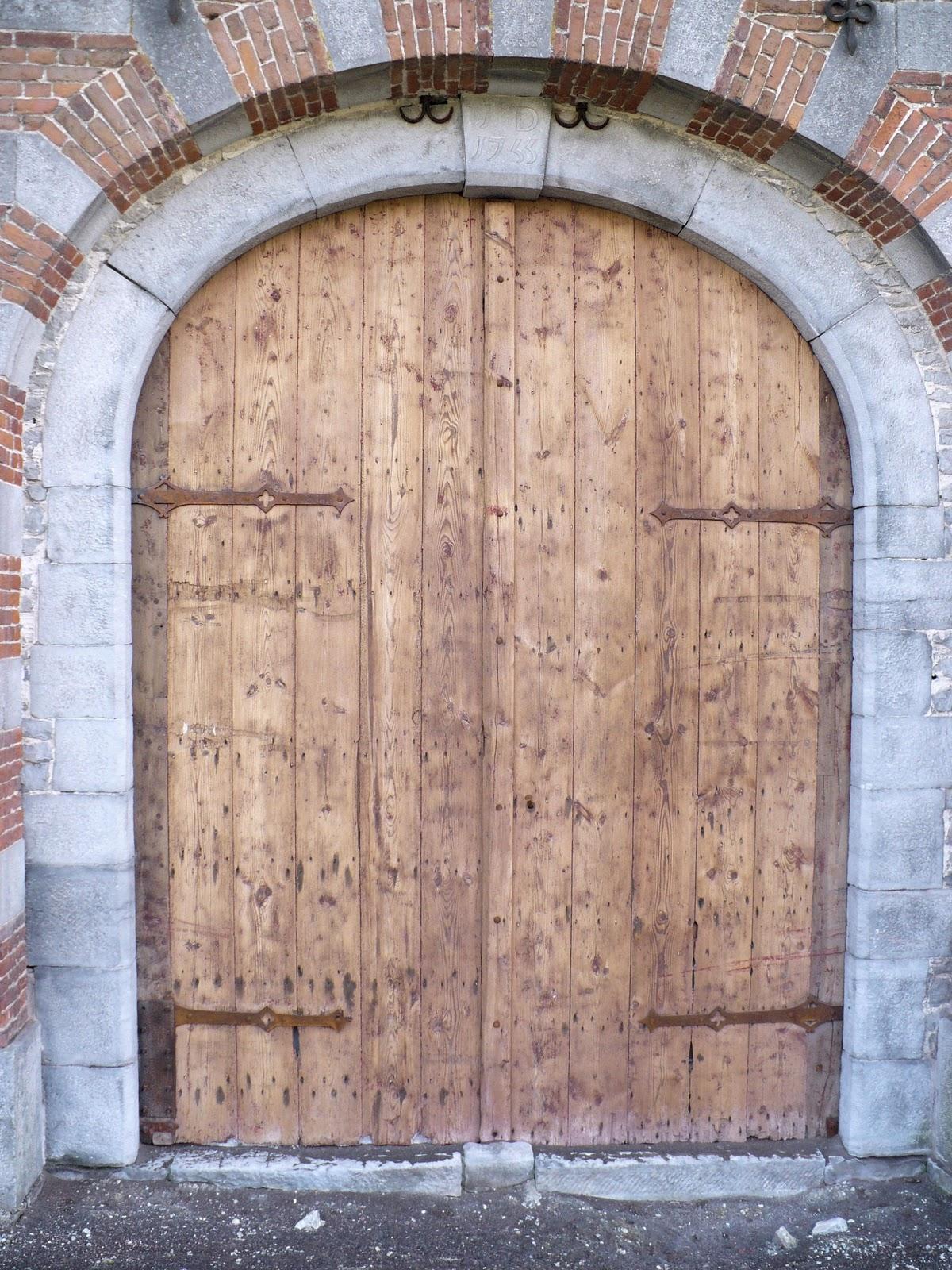 Maison de la m moire de seneffe feluy travers ses for Porte qui ferme mal
