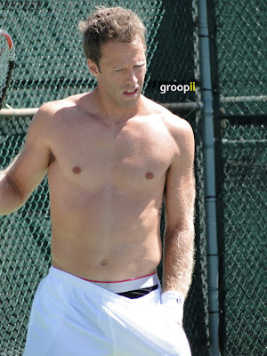Robert Lindstedt Shirtless at Cincinnati Open 2010