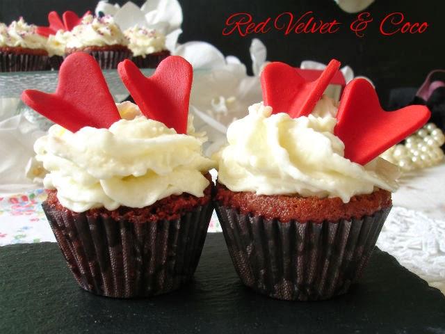 http://muchomasquecupcakes.blogspot.com.es/2014/02/cupcakes-red-velvet-con-frosting-de-coco.html