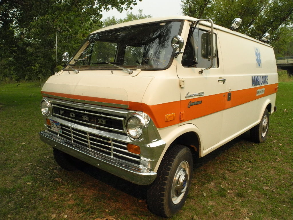 daily turismo ecnalubma 1974 ford pathfinder quadravan e 300 4x4 econoline ambulance. Black Bedroom Furniture Sets. Home Design Ideas