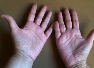 En la lectura de manos se leen las dos, derecha e izquierda