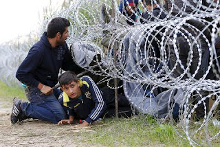 Σχέδιο - σοκ για την Ελλάδα: Οι Ευρωπαίοι υψώνουν τείχη για να εγκλωβιστούν χιλιάδες μετανάστες