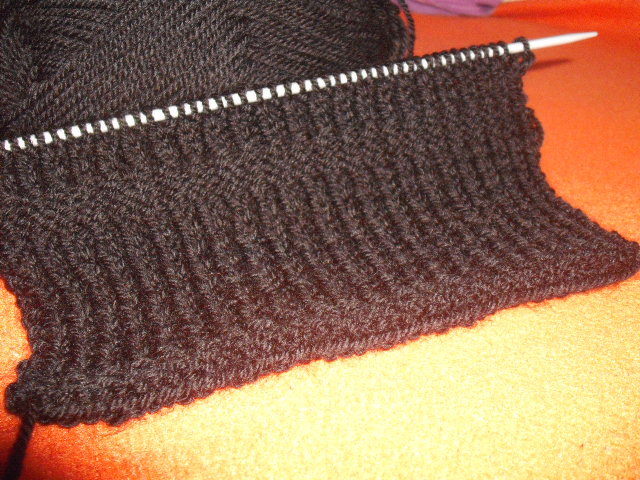 πλέξιμο μαύρο ανδρικό κασκόλ λάστιχο