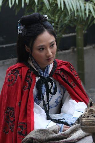 ไช่เหวินจี หรือ ซัวเหงียม (Cai Wenji,蔡文姬) ซัวบุ้นกี หรือ ซัวเอี๋ยง (Cai Yan,蔡琰)