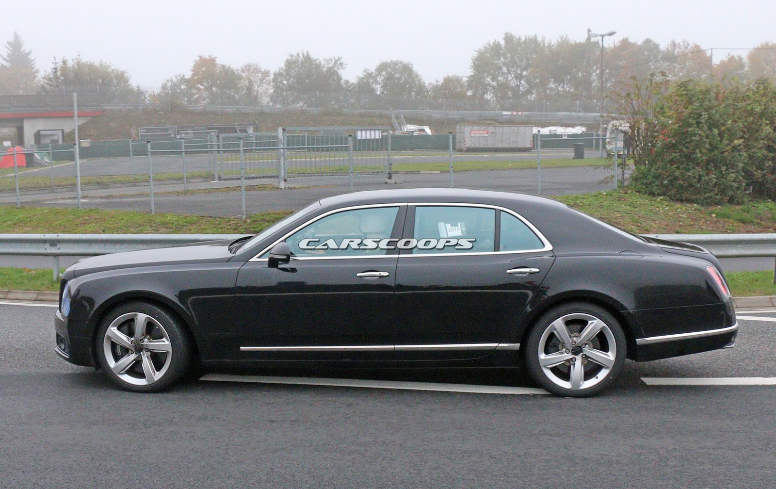 2009 - [Bentley] Mulsanne - Page 10 2017-Bentley-Mulsanne-FL6