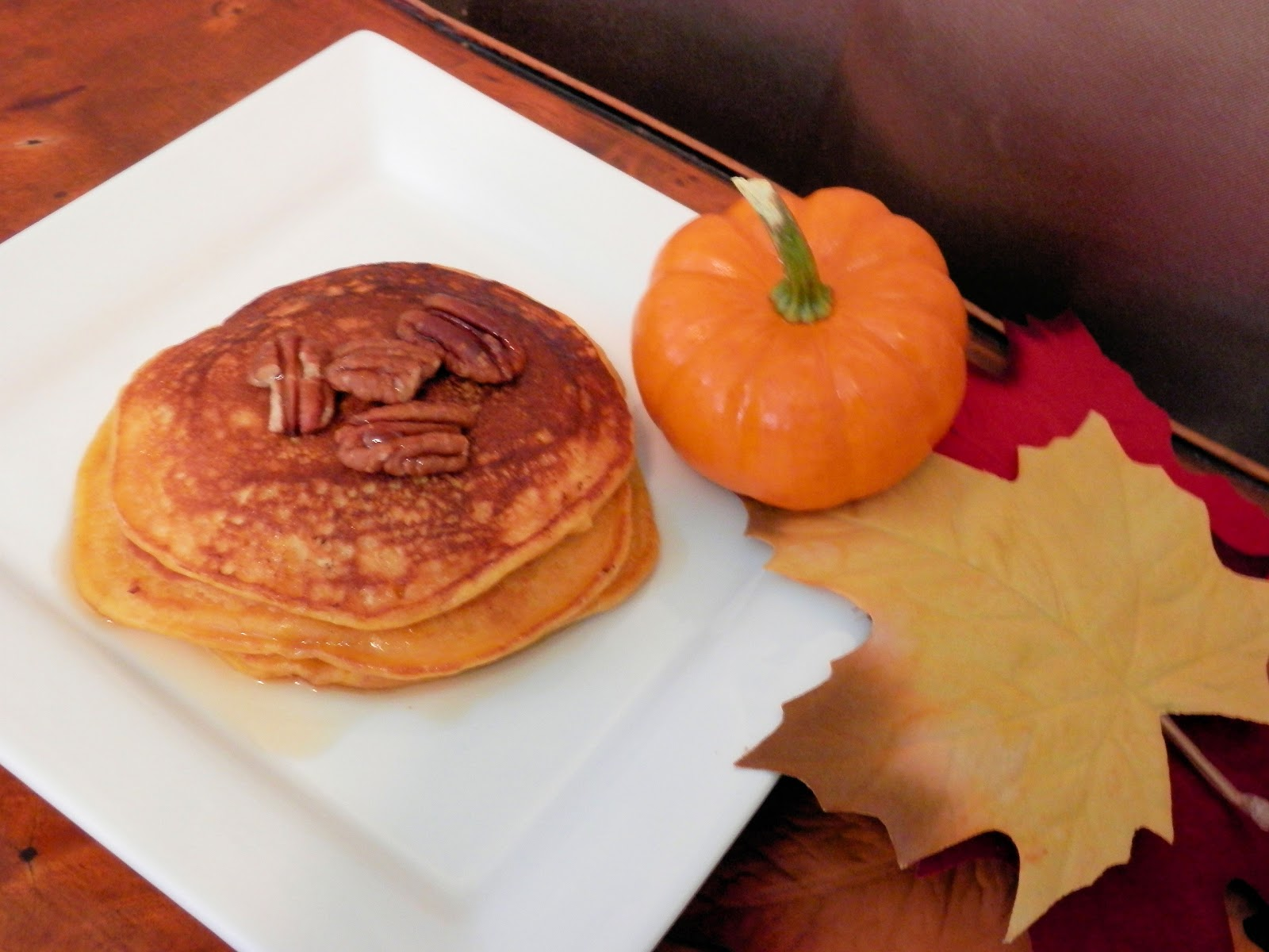 La Cucina Della Prima Donna: Pumpkin Pecan Pancakes