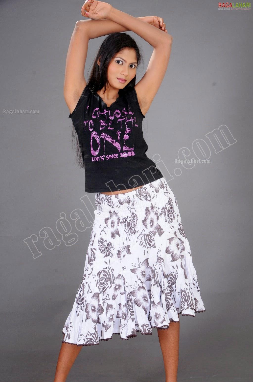 Shruthi Reddy Armpit Portfolio (she teases us with her stubble.....)
