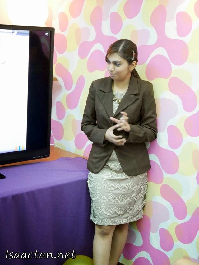 Dr Lashela explaining more about the procedure.
