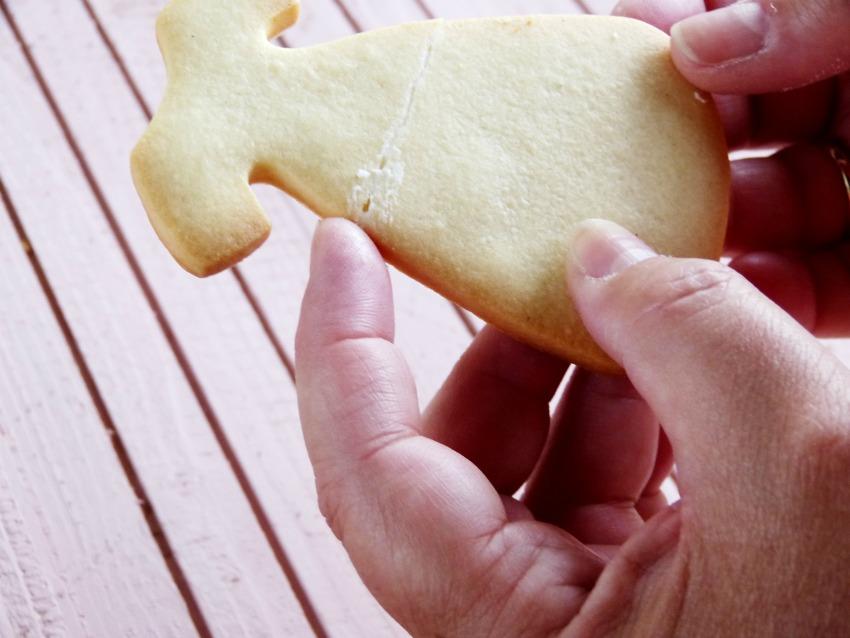 pegar galletas rotas para decorar