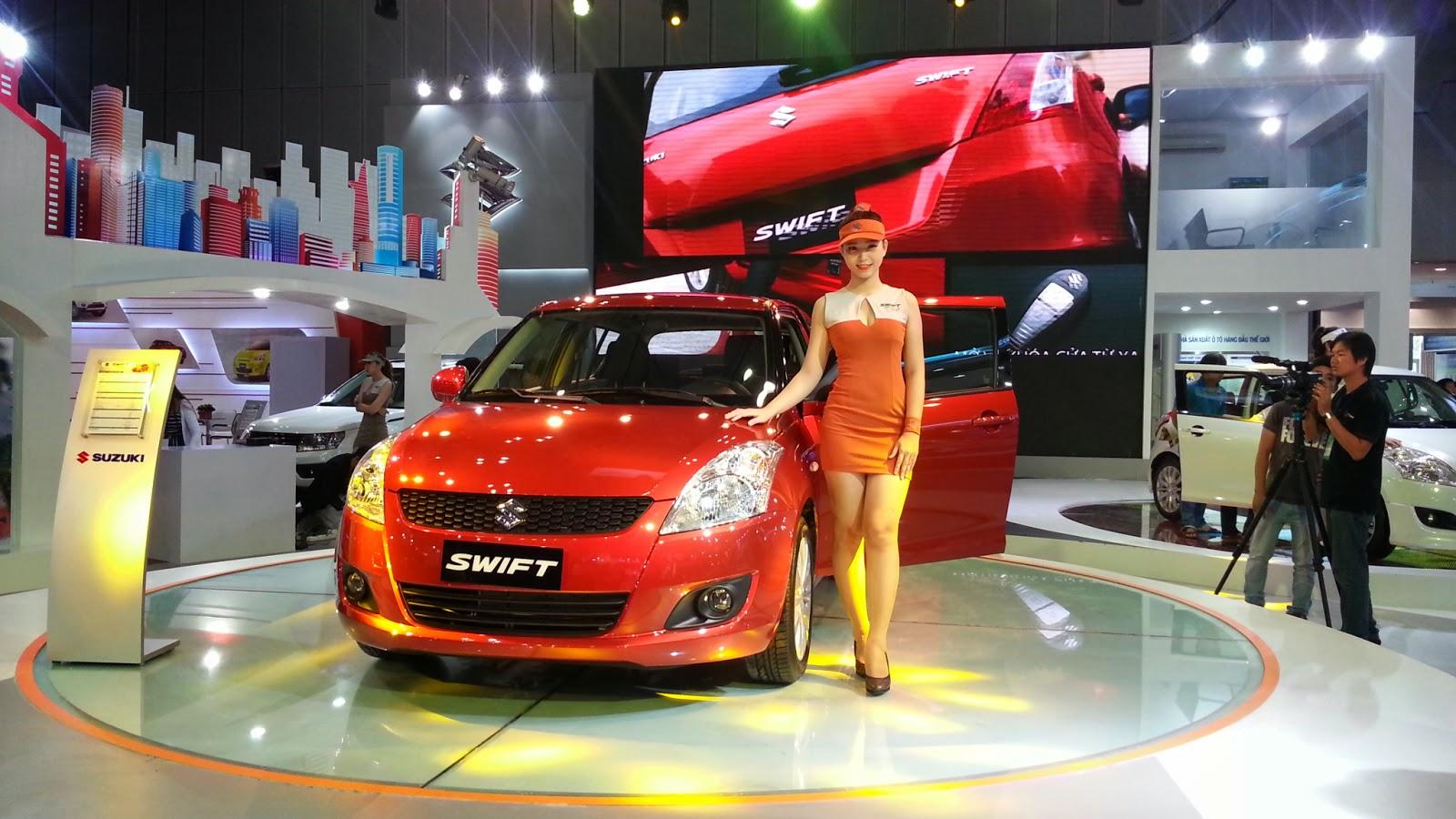 Suzuki Swift cùng với người đẹp
