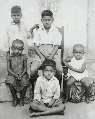 Grandchildren of Lakshminarayan Roychoudhury