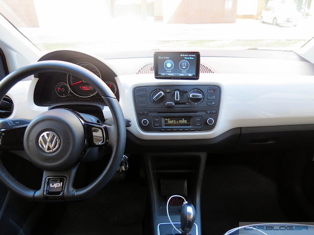 Volkswagen Up!: Maps and More