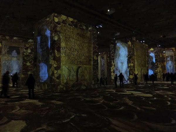 France Provence baux-de-provence carrières de lumières gustav klimt