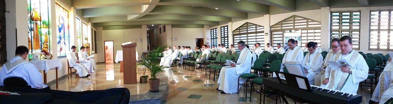 CELEBRAÇÃO COM PARTICIPAÇÃO DE TODO CLERO DA DIOCESE DE AMPARO