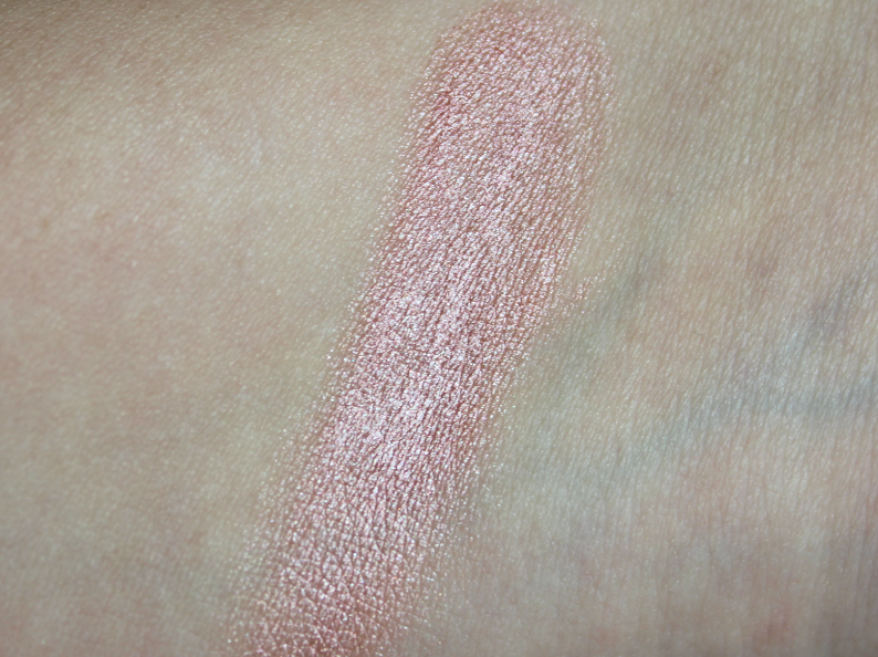 Maybelline ColorSensational Color Whisper Lipstick in Berry Ready Maybelline DreamLumi Touch Highlightening Concealer in Ivory Maybelline Eye Studio Color Tattoo Metal Eyeshadow in Inked in Pink Maybelline Baby Skin Instant Pore Eraser Primer Swatches Review