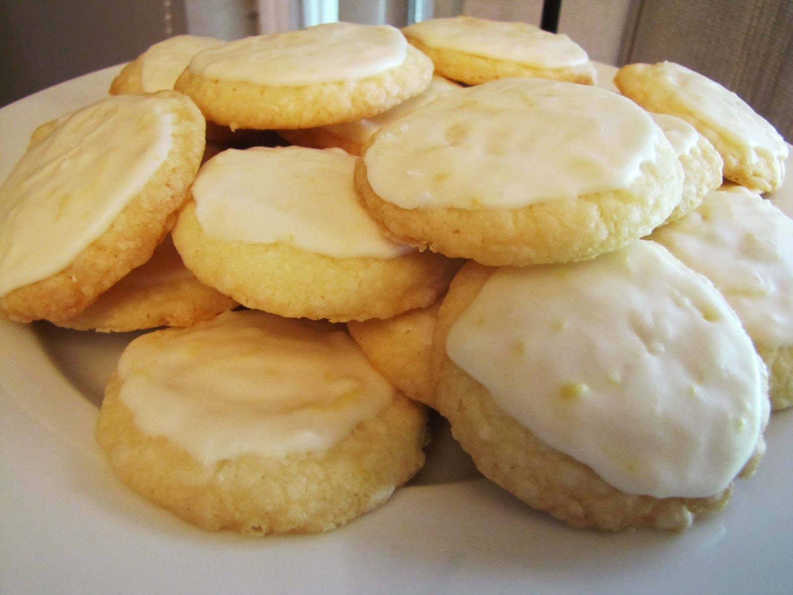 Rumbly in my Tumbly: High Tea Lemon Cookies