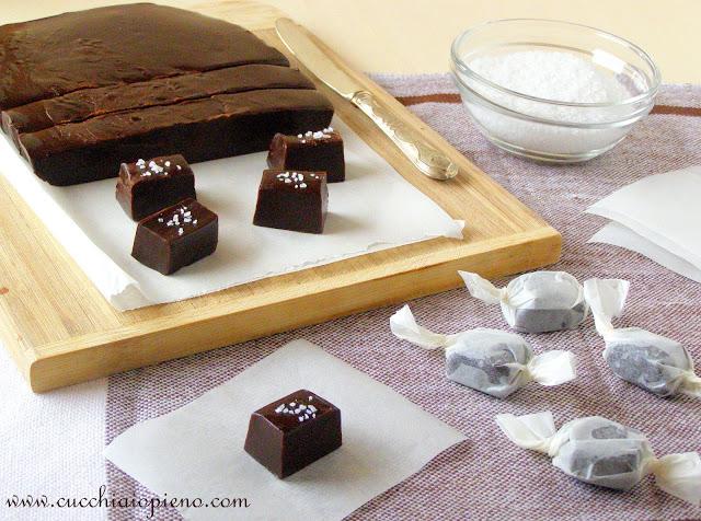 Bala caseira feita com mel e chocolate