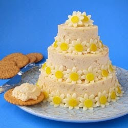 Cheese Ball Cake with Dasies