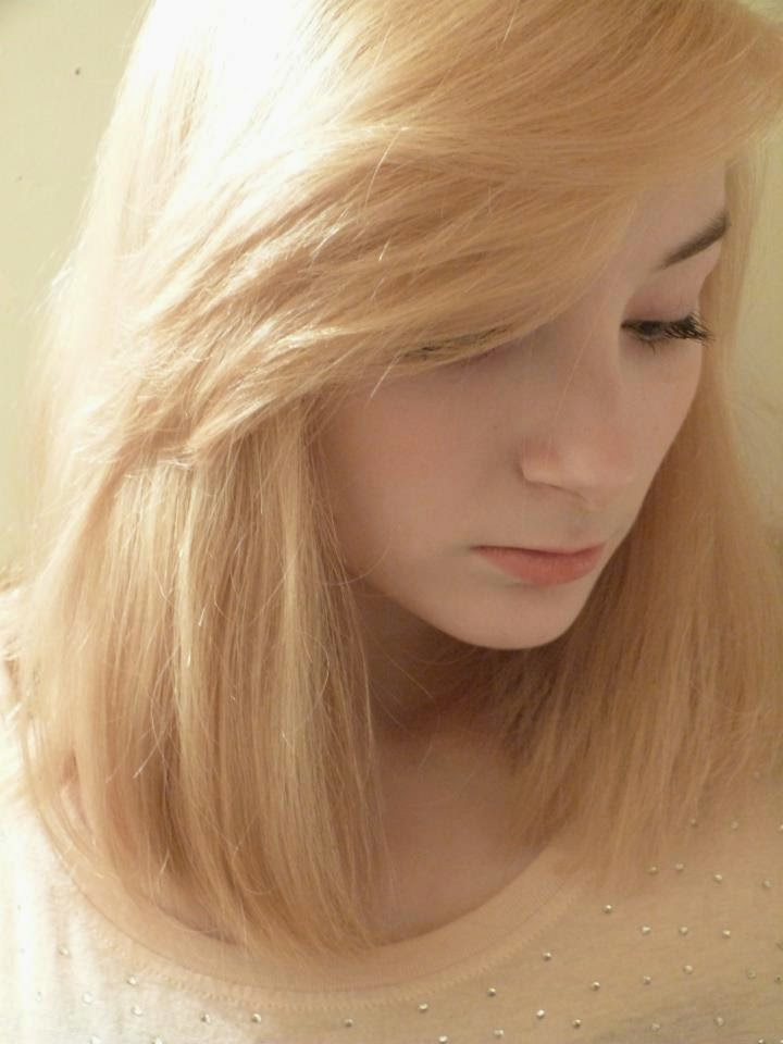 22120_4212100704768_2131493210_njpg - Coloration Blond Clair Beige