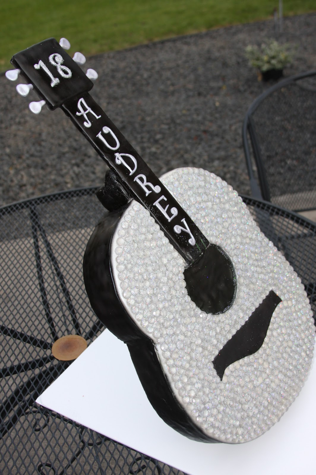 Guitar cake taylor swift guitar and edible glitter on pinterest