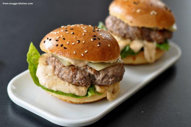 Burger mit Apfelwein-Senf-Sauce