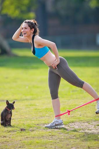 sarah shahi exercising work out
