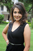 Madhu Shalini glam pics-thumbnail-12