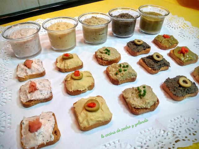 Canapés De Hummus, Tapenade Y Patés Caseros