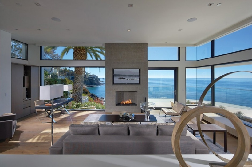 Modern living room in Romantic home above the ocean, California