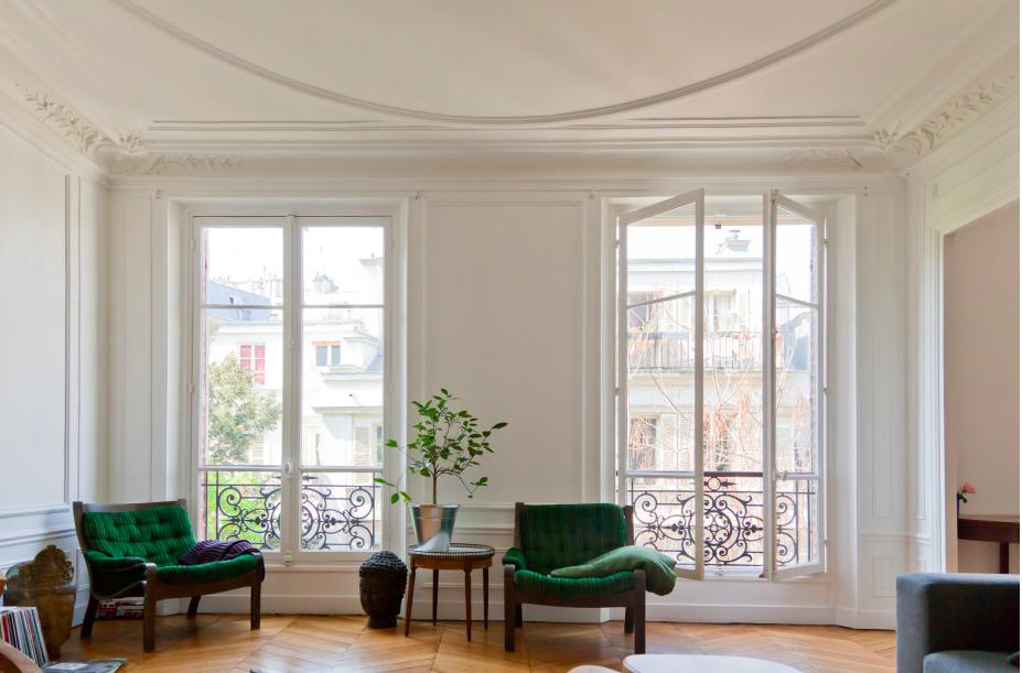 Vert poussin appartement parisien - Appartement parisien decoration ...