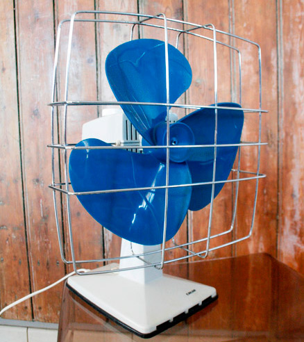 la puce au grenier d coration vintage ventilateur calor 70 39 s. Black Bedroom Furniture Sets. Home Design Ideas
