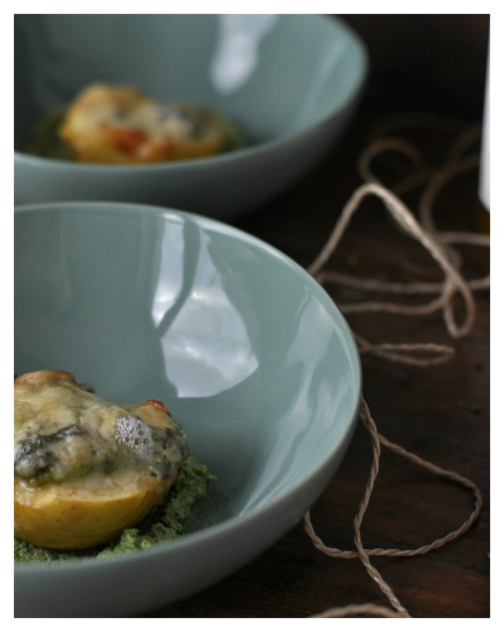 Baked Appple with gratinated Gorgonzola and Broccoli-Pesto, glutenfree