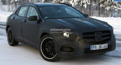 Spyshots: Mercedes GLA 45 AMG