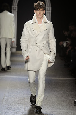 John Varvatos, Kiss, menswear, style, rock star, superhéroes, heavy, Milán Fashion Week, 2014, otoño invierno, Fall Winter,