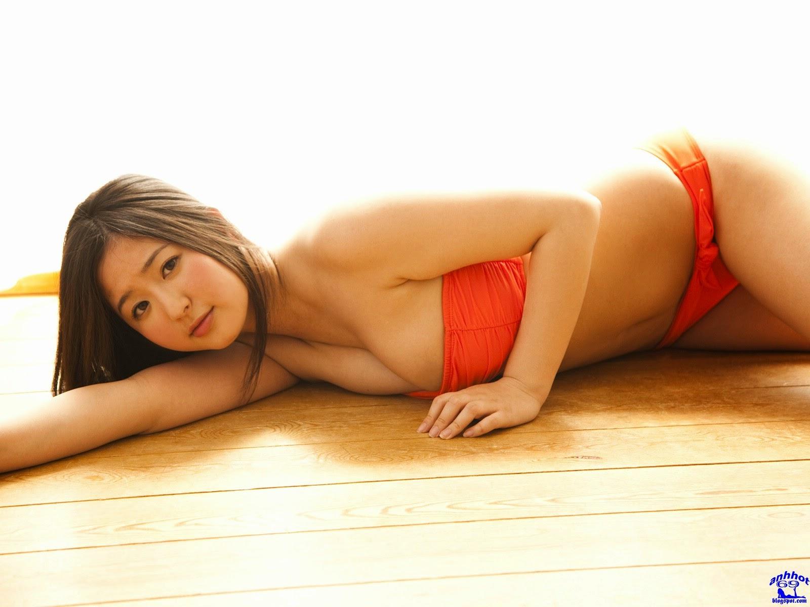 yuri-murakami-01844284