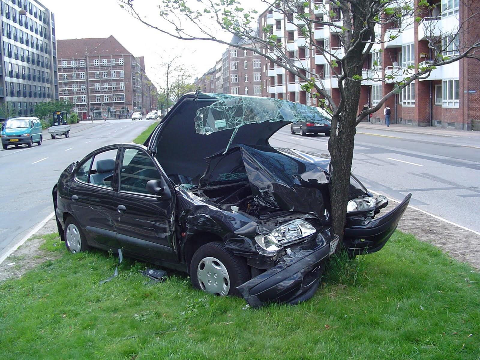 pics of bad car accidents