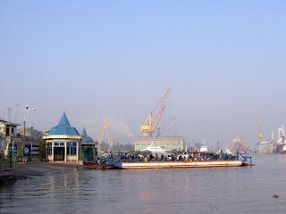 Ben Binh doca em Haiphong (Vietnã)