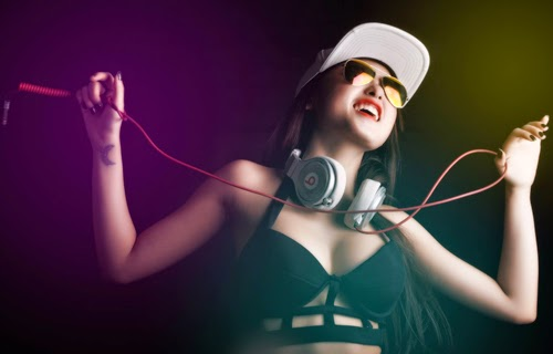 DJ Tyty - nữ DJ 9x cá tính và xinh đẹp