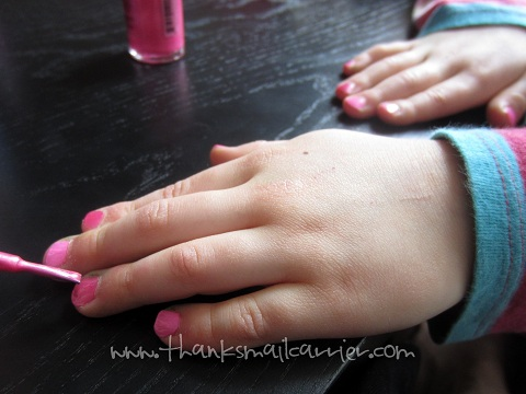 pink fingernail polish