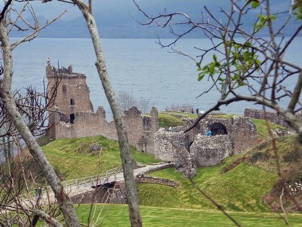 écosse scotland highlands loch ness urquhart castle château