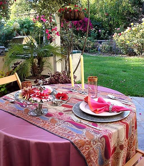 Ladies era valentine special easy decorations for Romantic dinner decoration ideas