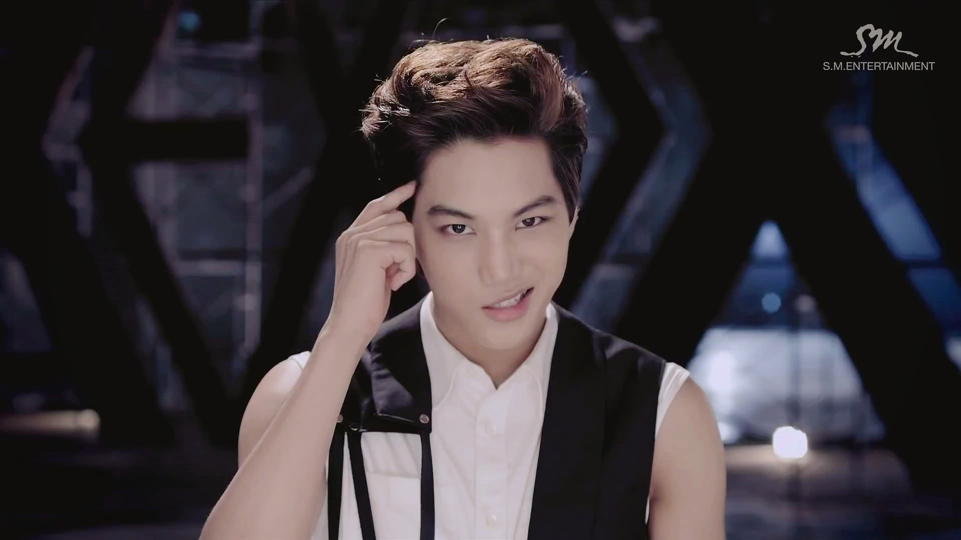 EXO: Growl MV και who-is-who   I say myeolchi // k-pop in ...